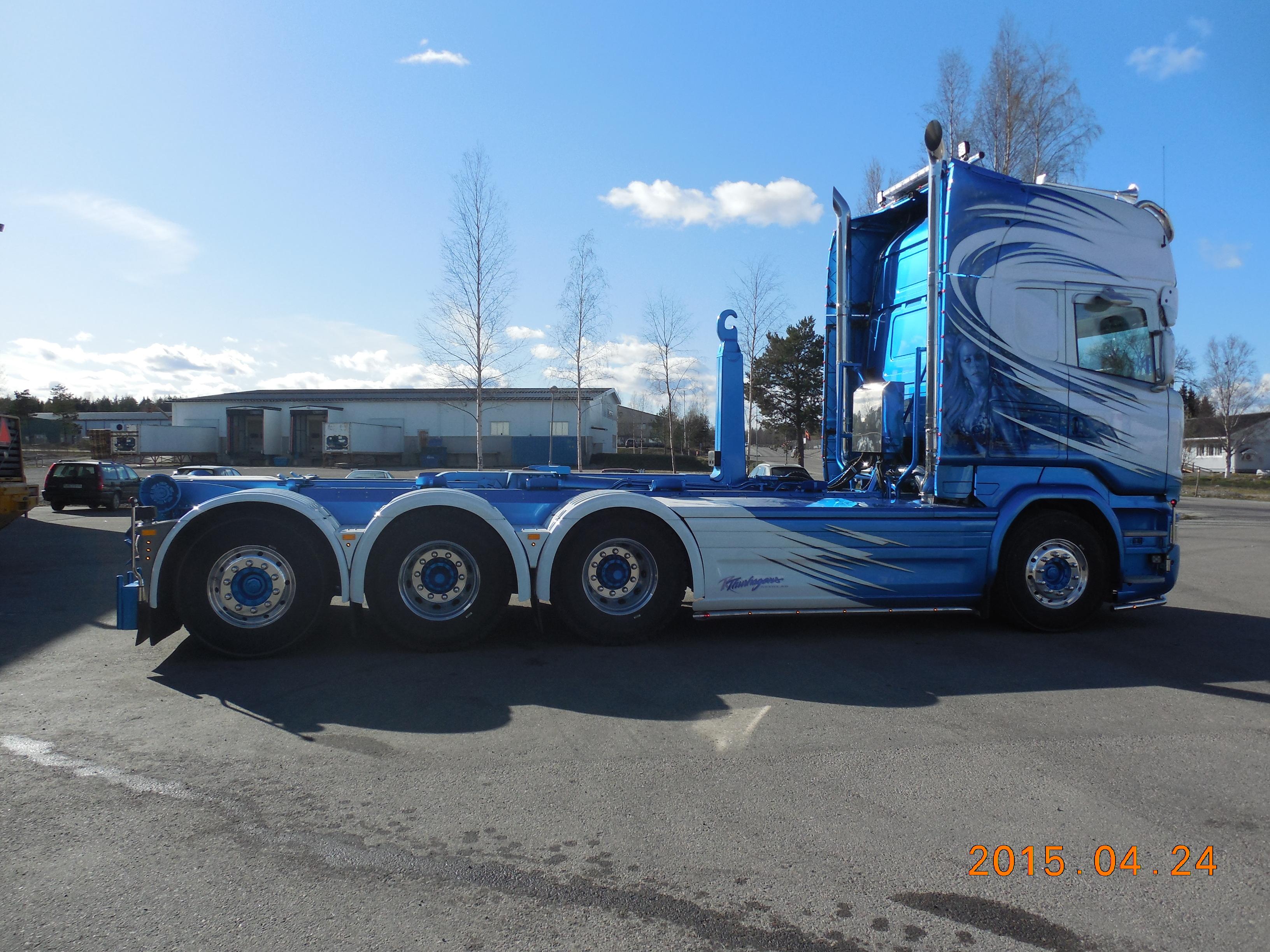 Scania R730 8x4 3,75 med Multilift XR24 på Laxolås direkt på ram