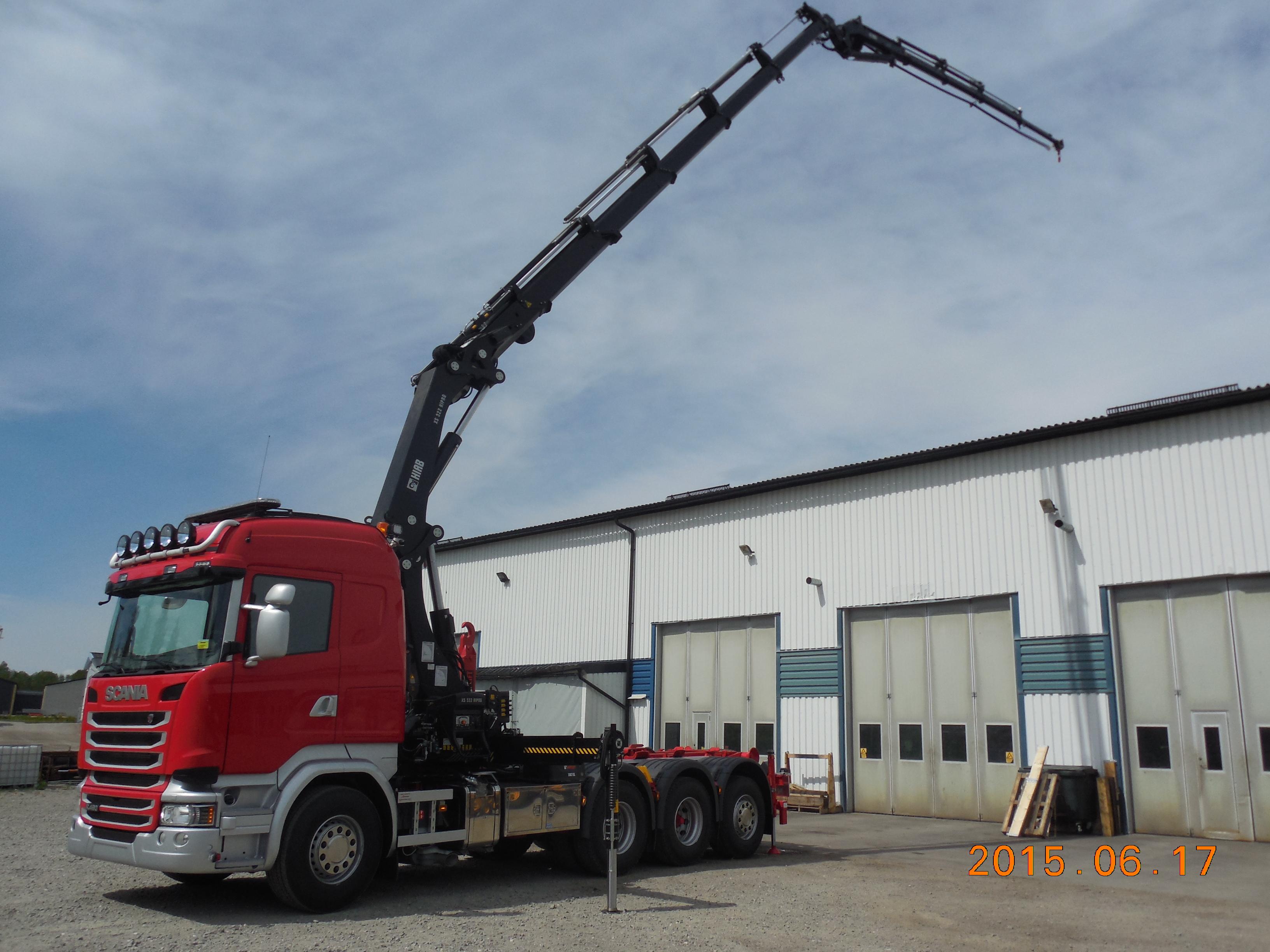 Scania 8x4 3,90 med Hiab 322E-5 med Jib, lastväxlare XR21